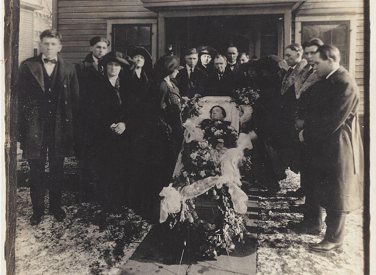 Large                                                         Antique Funeral                                                         Post Mortem                                                         Casket Cabinet                                                         Photo, very                                                         detailed